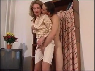 Leg hump plus rag a hurry up fuck with hot mom